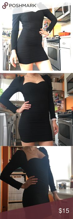 🌒 Little Black Dress🌒 Beautiful black mini dress in a great condition. Size SMALL Dresses Mini