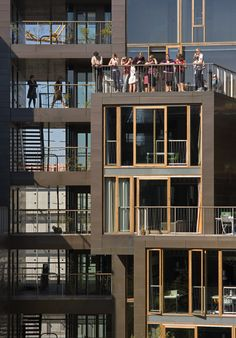 By Lundgaard & Tranberg Arkitekter :The Tietgen Dormitory project's dynamic, sculptural expression is created by the contrast of the building's overall form w Architecture Office, Architecture Details, Round Building, Student Dormitory, Student House, Social Housing, Ground Floor Plan, Building Structure, Interior Exterior