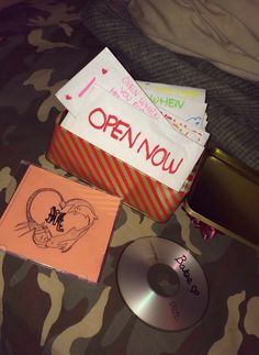 Cute ideas for boyfriend or girlfriend. DIY mix tape cd, open when letters, Christmas gift