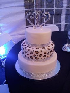 Another leopard-print wedding cake idea -- love it!