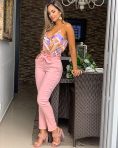 Cute casual outfit for summer. Classy Outfits, Chic Outfits, Spring Outfits, Trendy Outfits, Fashion Pants, Fashion Outfits, Baggy Pants, Indian Designer Outfits, Designer Clothing