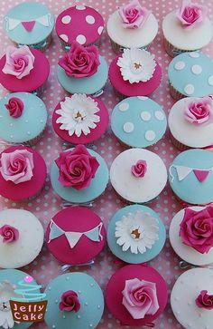 www.FabGabBlog.com   #cupcakes