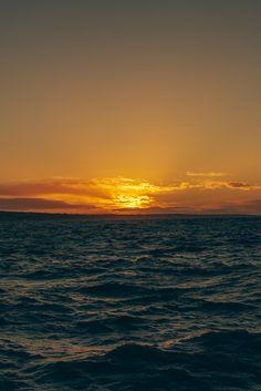 l0stship:  Sunrise by Tim Bow (source)