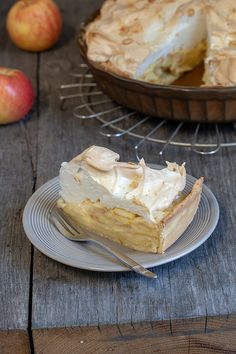 Appel meringue taart No Bake Desserts, Easy Desserts, Sweets Cake, Pie Dessert, Piece Of Cakes, Bread Baking, I Love Food, Cake Cookies, No Bake Cake