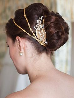 formal-updos5.jpg (480×639)--prom love the gold!!