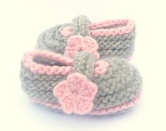 Knitting PATTERN BOOTIES Cosy Toes BABY Shoes Instant by ceradka, $4.50