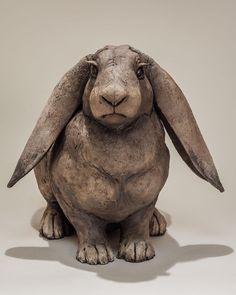 178 vind-ik-leuks, 3 reacties - Nick Mackman Animal Sculpture (@nickmackmansculpture) op Instagram: 'Lop-earned rabbit sculpture. She looks slightly cross I think and feel it should be entitled…'