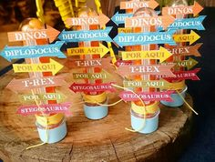 Tubetes decorado com o tema #Dinossauro pela Sweet Gifts Co em festa realizada…
