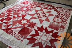 http://www.pieceandquilt.com/2017/12/red-white-modern-building-blocks-quilt.html
