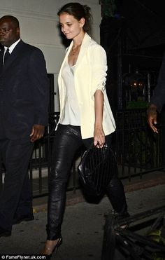Never very keen on leather trousers but I do like Katie Holmes outfit