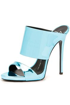 Head over Heels - OOOK - Giuseppe Zanotti - Shoes 2015 Spring-Summer. Pretty Shoes, Beautiful Shoes, Cute Shoes, Me Too Shoes, Heeled Boots, Shoe Boots, Shoes Heels, Stilettos, High Heels