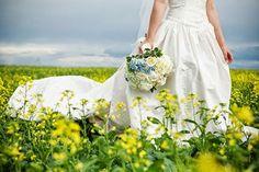 Uma festa de casamento no campo é linda e cheia de...