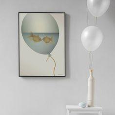 Love in a bubble er tegnet av danske Vissevasse og finnes i 2 størrelser. Dette printet illustrerer så vakkert kjærligheten mellom 2 individer.