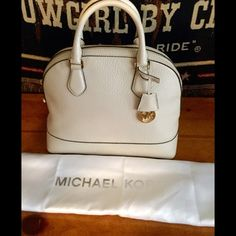 ⚡️LOWERED⚡AGAIN - ️NWT MICHAEL KORS large satchel Ecru color embossed leather. Really pretty. No flaws Michael Kors Bags Satchels