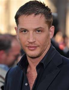 high and tight haircut Tom Hardy Tom Hardy Photos, Thin Hair Haircuts, Haircuts For Men, Thin Hairstyles, Stylish Hairstyles, Men's Haircuts, Office Hairstyles, Hairstyles 2016, Hairstyles For 40 Year Old Man