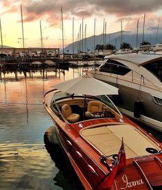 Sunset in @porto_montenegro  #sunset #port #marines #montenegro #boat #boats #boatlife #boathouse #yacht #yachts #yachtlife #yachting #sail #sailor #sailing #sailboat #caribbean #caymanislands #bahamas #bvi #bermuda #ocean #sea #adriatic #dubrovnik #monaco #istanbul #luxury #superyacht #megayacht by oguzturkerakpinar