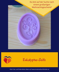 Hol' dir die Schritt-für-Schritt-Anleitung um Seife mit Eukalyptus-Duft zu gießen  #kreativesschaffen #selbstgemachtegeschenke Lettering, Silicone Molds, Tray, Blog, Homemade Birthday Presents, Soaps, Craft Tutorials, Diy Presents, Calligraphy