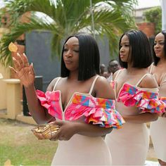 A touch of kente for the bridesmaids too Regrann from - When the entourage looks as hot as this you know the bride will be smokingly beautiful! Wedding Planning & coordination - Photography - Kente by . African Attire, African Wear, African Fashion Dresses, African Dress, Bridesmaid Outfit, Bridesmaids, Kente Dress, Kente Styles, African Wedding Dress