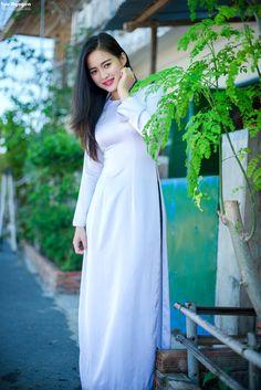 Ao Dai Vietnam, Asian Ladies, Poker Online, Hanfu, Modern Fashion, Asian Woman, Asian Beauty, Porn, White Dress