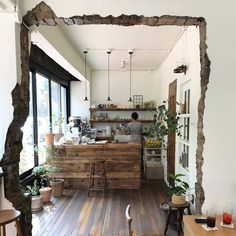 Home Decorating Stores Dallas Info: 5880751753 Kitchen Interior, Home Interior Design, Interior Architecture, Interior Decorating, Cafe Interior Vintage, Vintage Cafe, Coffee House Interiors, Store Interiors, Small Cafe Design
