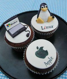 Untitled   Flickr - Photo Sharing! Cake Decorating Courses, Creative Cake Decorating, Cake Decorating Supplies, Cake Decorating Tutorials, Creative Cakes, Creative Ideas, Nerd Cupcakes, Cupcake Cakes, Linux