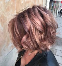Like color here rose gold hair Lisa Lizette Hörning on Hair Color And Cut, Brown Hair Colors, Cool Hair Color, Cabelo Rose Gold, Brown Hair With Highlights, Rose Gold Highlights, Light Brown Hair, Great Hair, Hair Lengths