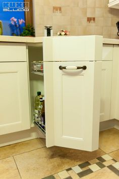Bucatarie Pipera   Kuxa Studio   Odette Top Freezer Refrigerator, Kitchen Appliances, Studio, Home, Diy Kitchen Appliances, Home Appliances, Ad Home, Studios, Homes