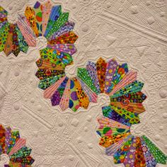 The Amateur Quilter: the quilting on this is spectacular!!! Cool idea for dresdens. Dresden Plate Patterns, Quilt Block Patterns, Tie Quilt, Shirt Quilt, Dresden Plate Quilts, Machine Quilting Designs, Quilting Ideas, Hexagon Quilt, Hexagons