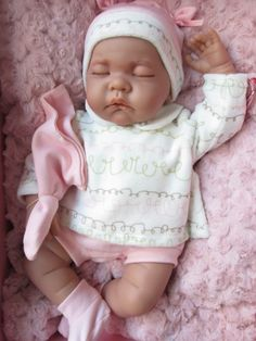 Muñeca Luna Acostadita en rosa