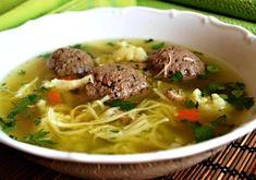 Hovězí polévka s játrovými knedlíčky --- this HAS to be liver dumpling soup! Slovak Recipes, Czech Recipes, Dumplings For Soup, Good Food, Yummy Food, Budget Meals, Slow Cooker, Food And Drink, Beef