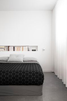 What's Hot Right Now: Spring Bedroom Decor! Dream Bedroom, Home Bedroom, Master Bedroom, Bedroom Decor, Bedroom Curtains, Bedroom Minimalist, Minimal Bedroom, French Interior, Scandinavian Interior