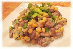 Быстрый салат из фасоли, кукурузы и сухариков - рецепт