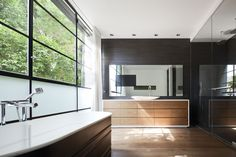 Image 9 of 19 from gallery of Tel Aviv Townhouse / Pitsou Kedem Architects. Photograph by Amit Geron