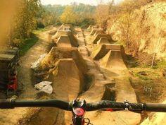 Heaven on earth. Bmx Bikes, Road Bikes, Bmx Ramps, Dirt Jumper, Mountian Bike, Bmx Dirt, Bmx Racing, Bike Parking, Dirt Track