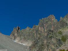 La traversée des Ecandies, une superbe course d'arête entre Arpette et Trient. #grimpisme http://www.escalade.pro/news/traversee-ecandies/