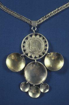 Smykke med kjede. Silver, Jewelry, Jewlery, Jewerly, Schmuck, Jewels, Jewelery, Fine Jewelry, Jewel