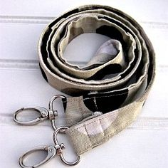 Learn two easy ways to make a long, thin strap for your favorite bag, as a dog leash or a lanyard for your keys.