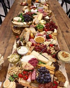 Check out this spread from Now this is something your guests will be talking about long after your dinner party. Party Platters, Food Platters, Cheese Platters, Plateau Charcuterie, Charcuterie And Cheese Board, Cheese Boards, Snacks Für Party, Appetizers For Party, Appetizer Recipes