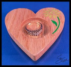 DIY Ring Holder with Polymer Clay Inlay Scrollsaw Prjoect Scrollsaw Pattern from #SteveGood #ringdish #heartpattern  #flowerpattern #polymerclayandwood #scrollsawpatternsandprojects #freepatternsforwoodworking donations appreciated lhttp://scrollsawworkshop.blogspot.com/2016/01/sink-side-ring-dish-with-polymer-clay.html #DIYcraftsandart #loveandvalentinesday #ValentinesDIY #engagementgift