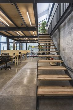 Estudio Atemporal coverts old factory in Mexico City into co-working offices Industrial Office Design, Industrial House, Office Interior Design, Home Office Decor, Office Interiors, Office Ideas, Industrial Stairs, Home Decor, Conception D'entrepôts