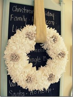 D.I.Y. Winter Wreath Roundup: 35 Winter Wreaths You Can Make Yourself
