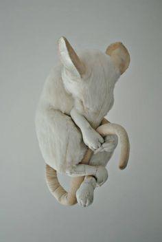 https://www.facebook.com/MisterFinchTextileArt/photos/ms.c.eJw90EsSAyAIA9AbdfhExPtfrFPSsHyTKCLKwpBpHR7dH4ztwA8KT8b4mPx~_~ soft sculpture