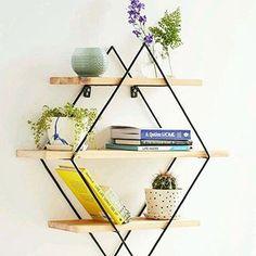 🌿 #wallshelf #walldecor #homesweethome #homestyle #evdekorasyonu #dekorasyon #homedesign #homedecor #candle #elizim #reading #kitapoku #flowers #autumn #bedroomdecor #yatakodasi #happiness #morning #karasevda #insta #inspiration #ideas #vase