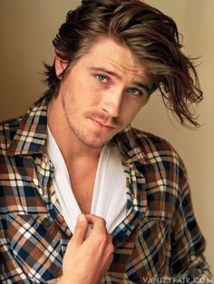 GARRETT HEDLUND  Actor  11 films, including On the Road (2012) and Inside Llewyn Davis (2013).