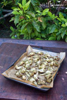 Pieczone karczochy z tymiankiem i oliwą #gryz #MagazynGRYZ