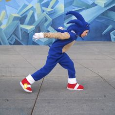 Sonic The Hedgehog inspired costume sizes 6-8 ,10-12.