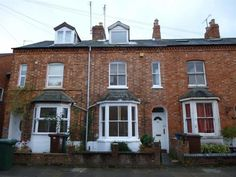 For Sale - £189,950 A three bedroom townhouse - Banbury