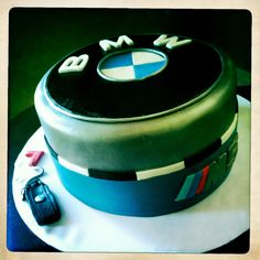 """""""Lefty"""" BMW cake"""