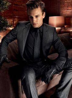 Black Suit Black Shirt, Grey Suit Men, Black Suits, Men's Suits, Dress Suits, Cool Suits, Light Grey Suits, Dark Gray Suit, Dark Grey