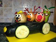 У Елены: Поделка в детский сад Autumn Crafts, Fall Crafts For Kids, Diy For Kids, Vegetable Crafts, Vegetable Animals, Creative Food Art, Food Sculpture, Fruit Decorations, Watermelon Carving
